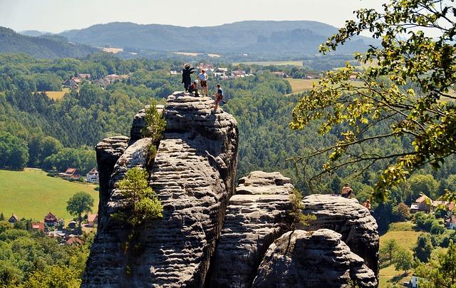 horolezci na hoře